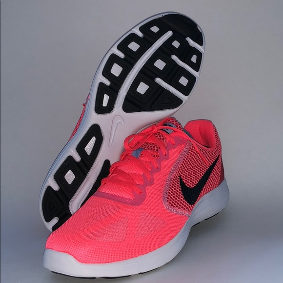 reputable site 5658b 87eee Wmns Size  11.5 Nike Evolution 3 Running Shoe